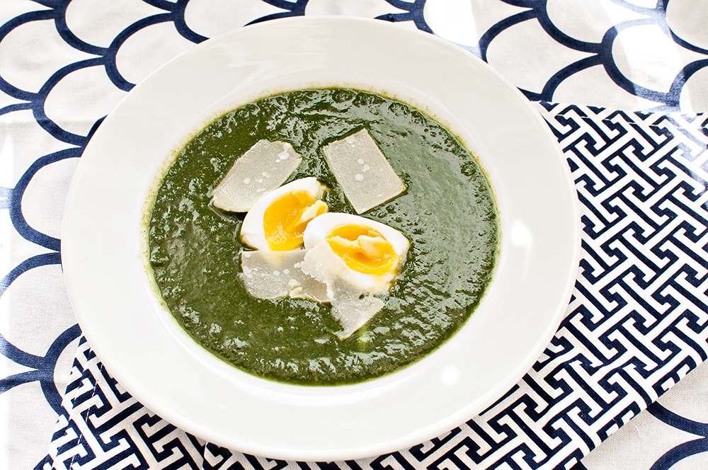 Spinach soup with perfect egg