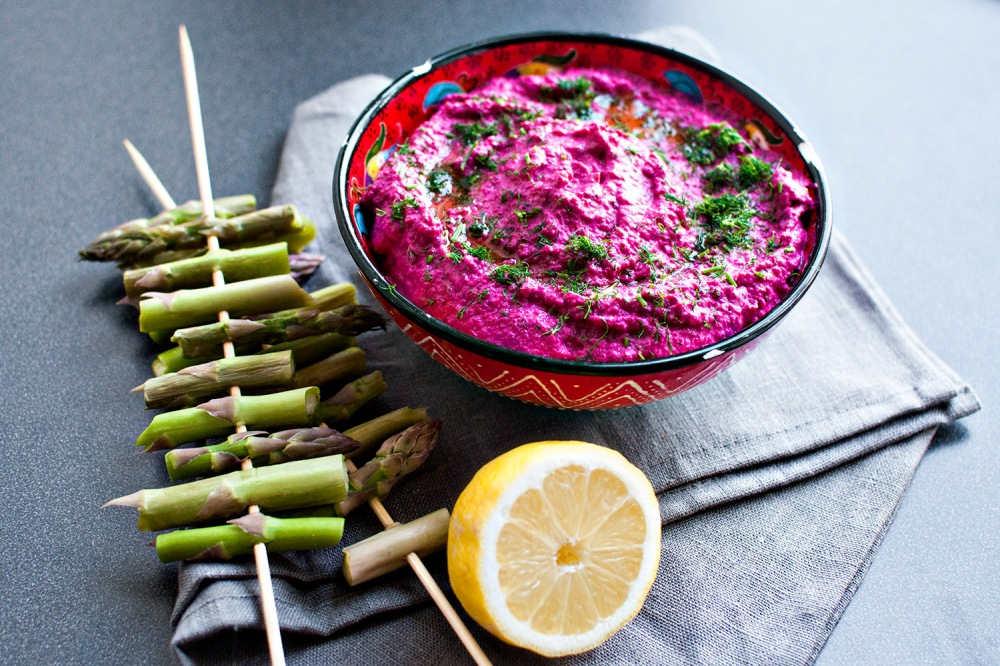 BEETROOT AND DILL HOUMOUS