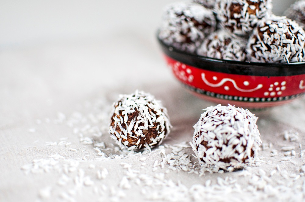 THE NO-FUSS CHOCOLATE BLISS BALLS