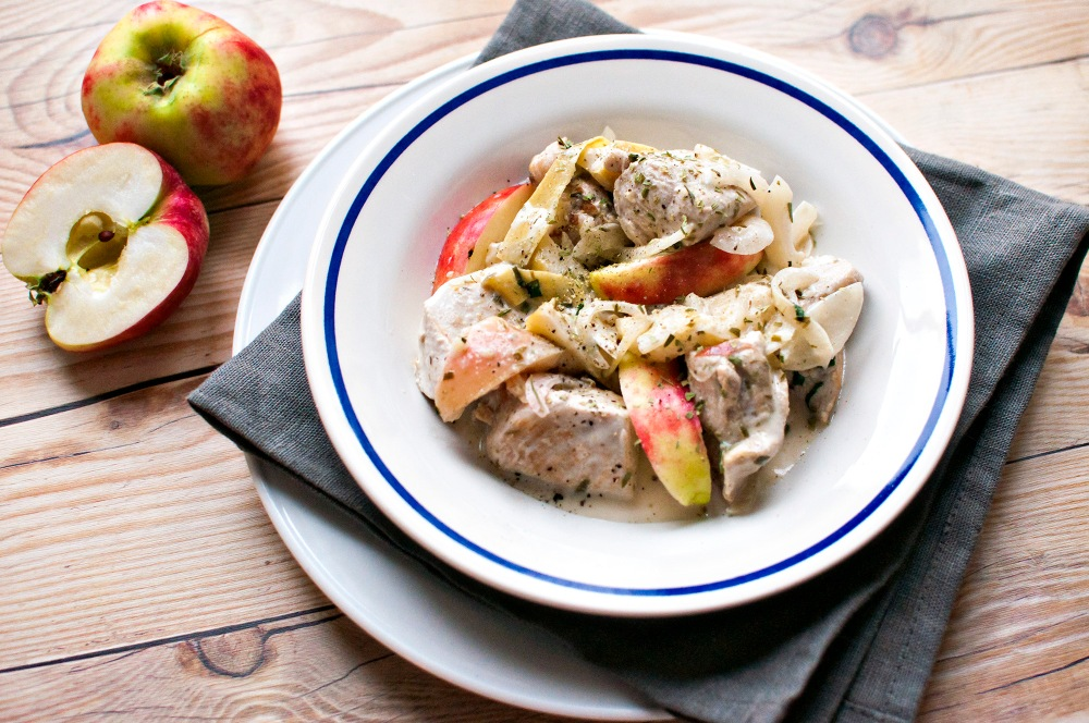 CIDER CHICKEN w/ TARRAGON AND APPLE