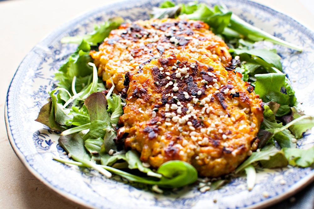 CARROT AND HALLOUMI PATTIES (VEG)